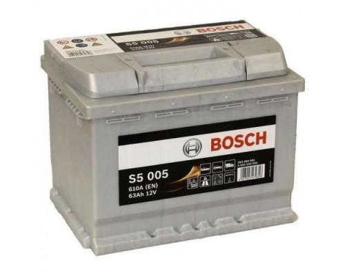 Автомобильный аккумулятор  Bosch 63 Ач